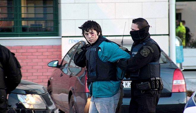 Ο Νίκος Ρωμανός μετά τη σύλληψή του