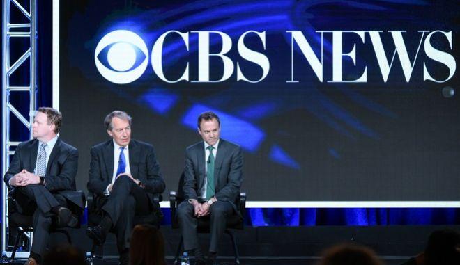 Στη μέση της φωτογραφίας ο παρουσιαστής της δημοφιλούς εκπομπής «CBS This Morning»