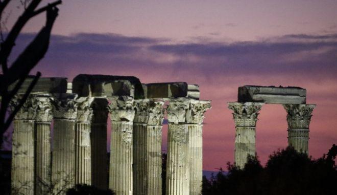 Στιγμιότυπο απο τις στήλες του Ολυμπίου Διός