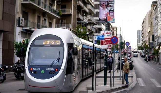 Δοκιμαστική διέλευση του τραμ στον Πειραιά
