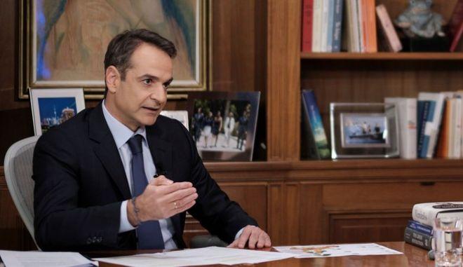Ο Κυριάκος Μητσοτάκης, κατά τη διάρκεια συνέντευξης που παραχώρησε στο κεντρικό δελτίο ειδήσεων του Alpha.