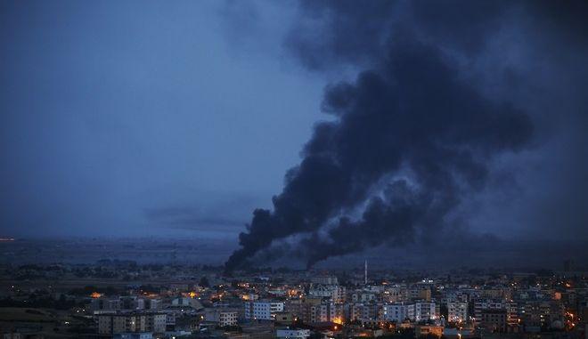 Εικόνα από την πόλη Ρας αλ Άιν στη Συρία κατά την τουρκική εισβολή