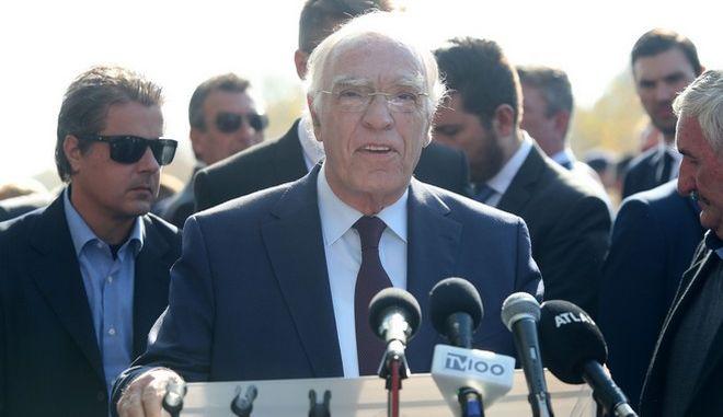 Ο πρόεδρος της Ένωσης Κεντρώων, Βασίλης Λεβέντης μετά την παρέλαση της 28ης Οκτωβρίου στη Θεσσαλονίκη