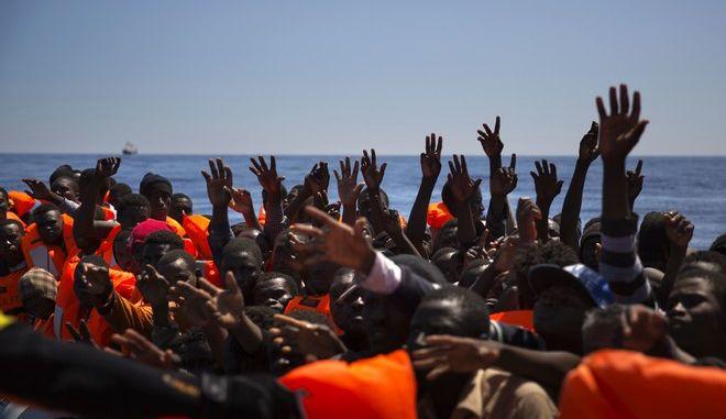Φωτό Αρχείου: Πρόσφυγες και μετανάστες στη Μεσόγειο