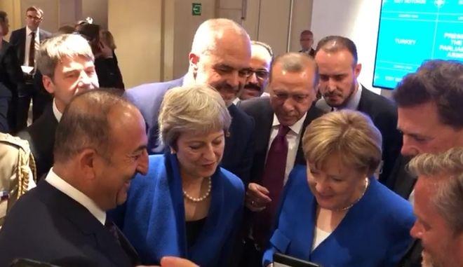 Βίντεο: Οι ηγέτες του ΝΑΤΟ είδαν τον ημιτελικό στης Μέρκελ