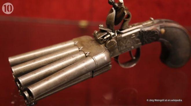 10 όπλα που έμειναν στην ιστορία - Ο Μαύρος Θάνατος, ο Αρχιμήδης και η βέσπα κανόνι