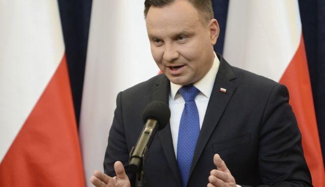 Ο πρόεδρος της Πολωνίας θα υπογράψει το νομοσχέδιο για το Ολοκαύτωμα