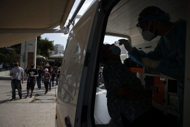 Διευρύνονται οι έλεγχοι για κορονοϊό από τον ΕΟΔΥ προκειμένου να διαπιστωθεί η επέκταση της επιδημίας.