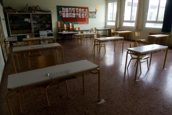 Άνοιγμα σχολείων: Στη Βουλή σήμερα το...
