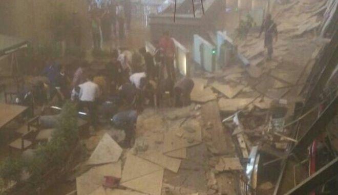 Ινδονησία: Τουλάχιστον 75 τραυματίες στο χρηματιστήριο της Τζακάρτα - Κατέρρευσε ο 1ος όροφος