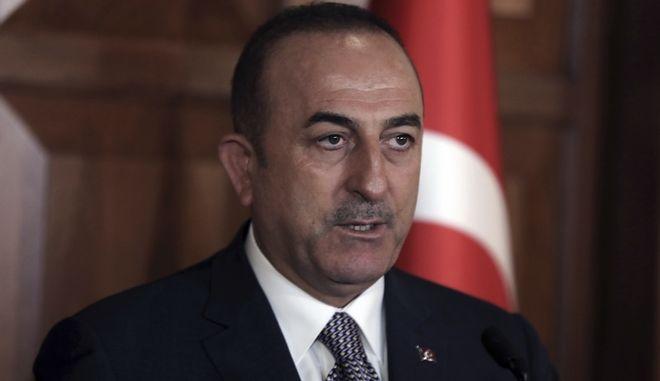 Ο Τούρκος υπουργός Εξωτερικών Μεβλούτ Τσαβούσογλου σε συνέντευξη Τύπου στην Άγκυρα
