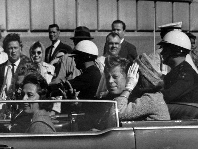 Ποιος δολοφόνησε τον Κένεντι; Οι 6 επικρατέστερες θεωρίες συνωμοσίας