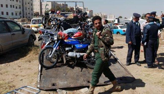 Φονική έκρηξη κοντά στο υπουργείο Άμυνας στην Υεμένη