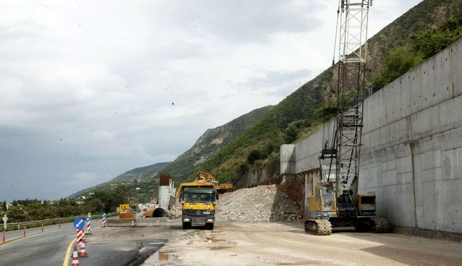 Έργα για την κατασκευή της νέας εθνικής οδού Αθηνών-Πατρών