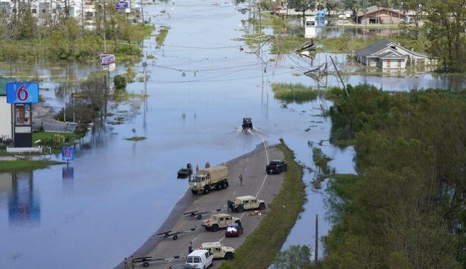 Εικόνες βιβλικής καταστροφής στη Λουιζιάνα
