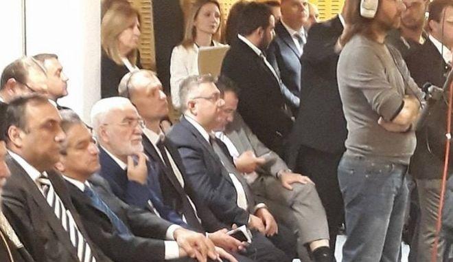 Κόντρα στην Κύπρο για την παρουσία Σαββίδη στη Bουλή