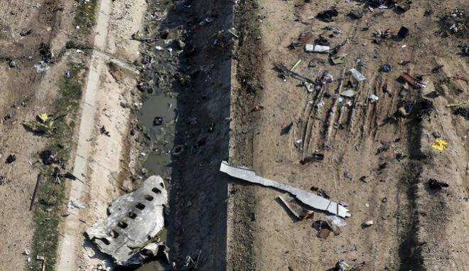 Συντρίμμια του Boeing 737 της Ukraine International Airlines που καταρρίφθηκε από πύραυλο του ιρανικού στρατού