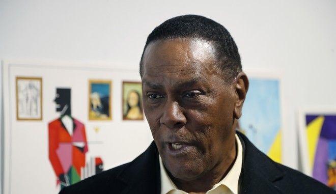 Ο Ρίτσαρντ Φίλιπς που έμεινε άδικα 45 χρόνια στη φυλακή σε έκθεση έργων του στο Μίτσιγκαν τον Ιανουάριο του 2019