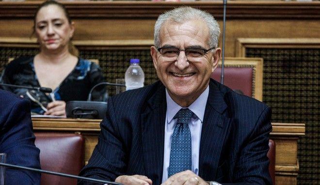 Ο Υφυπουργός Εξωτερικών, αρμόδιος για τον Απόδημο Ελληνισμό, κ. Αντώνιος Διαματάρης στη Βουλή.