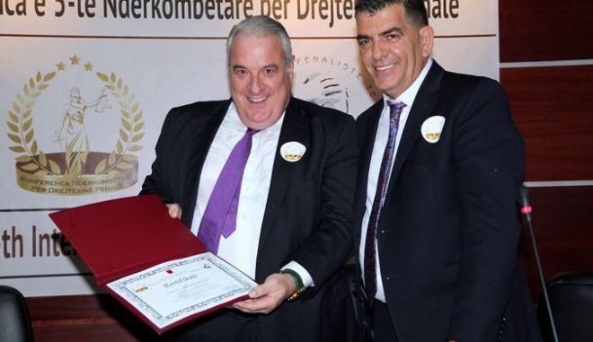 Επίτιμος μέλος της Ένωσης Αλβανών ποινικολόγων ο Σάκης Κεχαγιόγλου