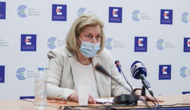 Η Πρόεδρος της Επιτροπής Εμβολιασμών, Μαρία Θεοδωρίδου.