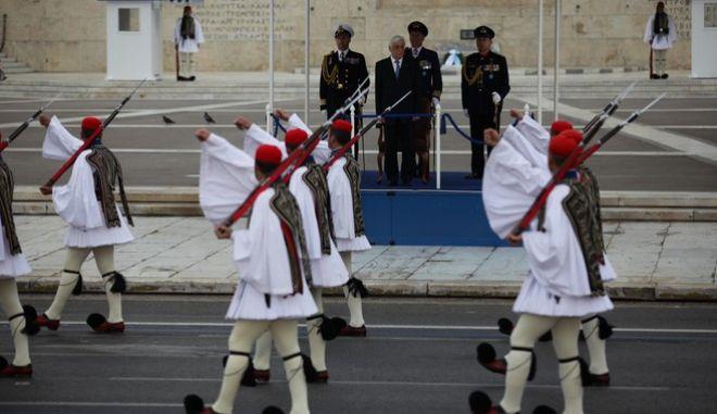 Στιγμιότυπο από την στρατιωτική παρέλαση για την εθνική επέτειο στην Αθήνα την Παρασκευή 25 Μαρτίου 2016.  (EUROKINISSI/ΓΙΑΝΝΗΣ ΠΑΝΑΓΟΠΟΥΛΟΣ)