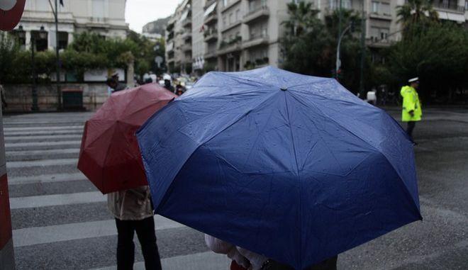 Βροχή στην Αθήνα την Τρίτη 11 Οκτωβρίου 2016. (EUROKINISSI/ΓΙΑΝΝΗΣ ΠΑΝΑΓΟΠΟΥΛΟΣ)