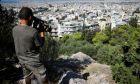 Το σημείο στο λόφο του Φιλοπάππου από όπου έπεσε ο 25χρονος φοιτητής