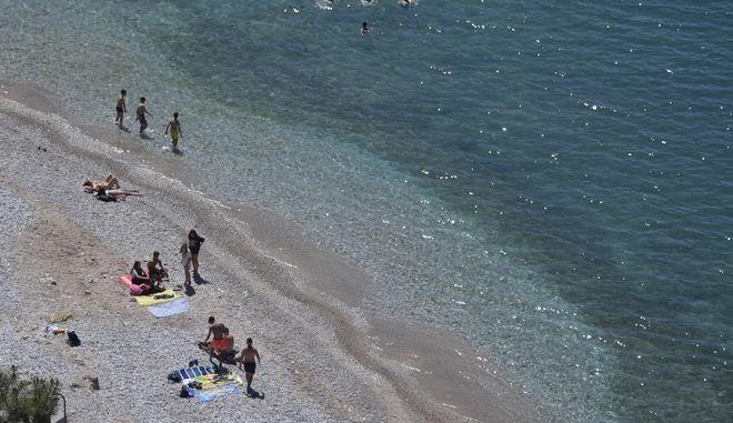 Παραλία στο Ναύπλιο.
