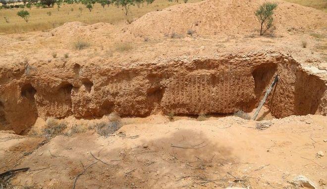 Φρίκη στη Λιβύη: Βρέθηκαν ομαδικοί τάφοι στην Ταρχούνα
