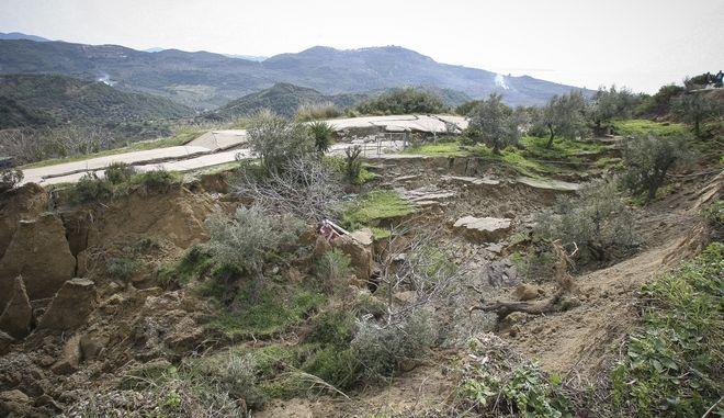 Καθίζηση και κατολίσθηση του εδάφους στην περιοχή Ταξιάρχες του νομού Ηλείας, Παρασκεύη 2/3/2018. (EUROKINISSI/ILIALIVEΓΙΑΝΝΗΣ ΣΠΥΡΟΥΝΗΣ)
