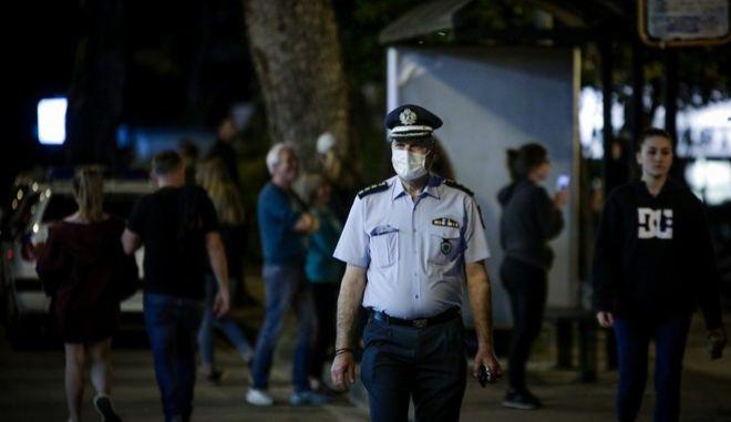 Αστυνομική παρέμβαση στην Πλατεία Αγ. Ιωάννου στην Αγ. Παρασκευή τον Μάιο(ΑΡΧΕΙΟΥ)