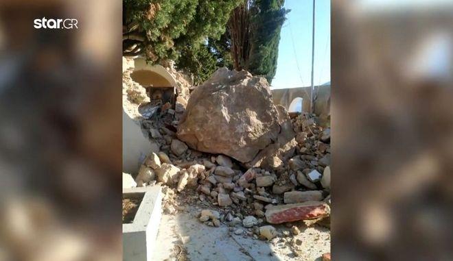 Σύμη: Καταπλακώθηκε το εκκλησάκι του Αγίου Μερκουρίου από βράχο