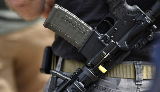 Οι επιθέσεις με τη χρήση όπλων μέσα σε σχολεία γνωρίζουν συνεχή αύξηση