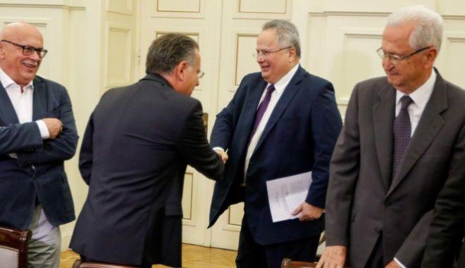 Στιγμιότυπο από τη συνεδρίαση του Συμβουλίου Εξωτερικής Πολιτικής