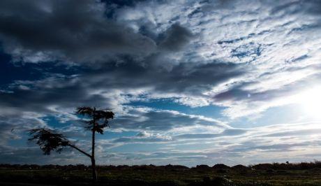 Σύννεφα στη Γλυφάδα Αττικής