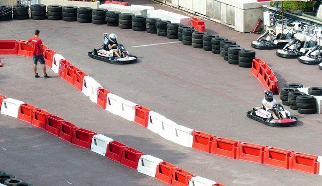Φρίκη σε go-kart: Μπλέχτηκαν τα μαλλιά της σε τροχό και σκοτώθηκε