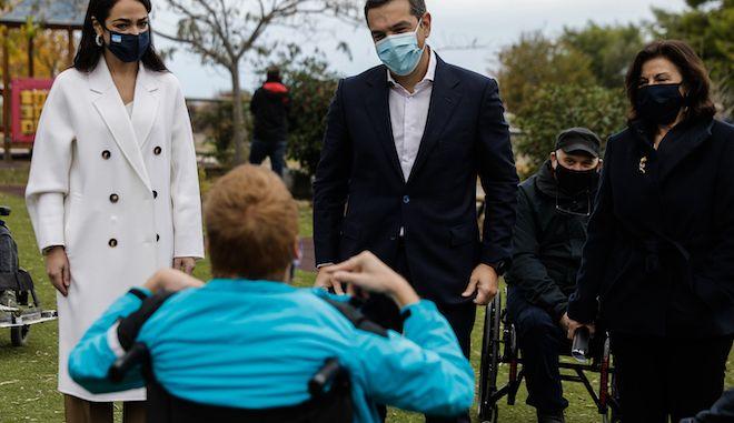 Επίσκεψη του προέδρου του ΣΥΡΙΖΑ - Προοδευτική Συμμαχία, Αλέξη Τσίπρα στο Παράρτημα Αποθεραπείας και Αποκατάστασης Παιδιών Με Αναπηρία (πρώην ΠΙΚΠΑ) Βούλας, 3 Δεκεμβρίου 2020.