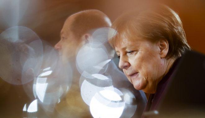 Η Γερμανίδα καγκελάριος Άνγκελα Μέρκελ και ο υπουργός Οικονομικών Όλαφ Σολτς