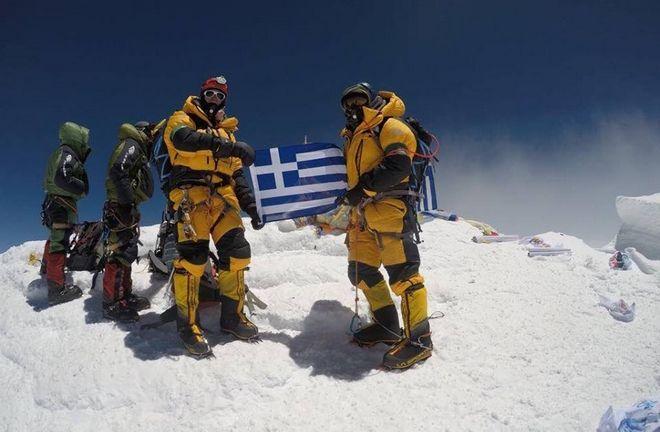 Ξεκίνησαν 25. Μόνο δύο Έλληνες πάτησαν στην κορυφή του Έβερεστ