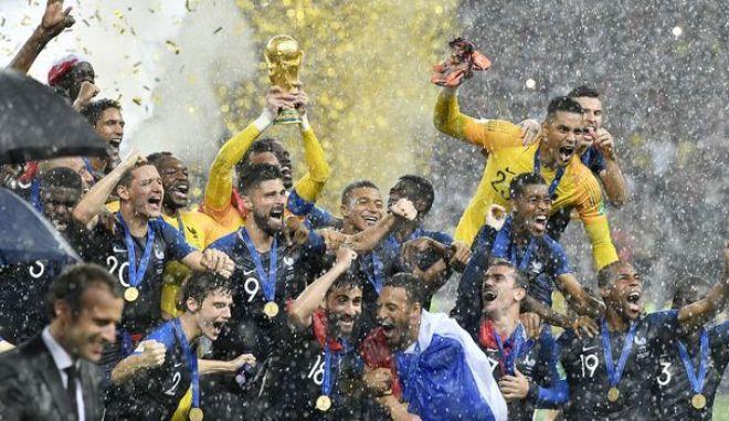 Το τρομερό tweet του Μουσείου του Λούβρου για την παγκόσμια πρωταθλήτρια Γαλλία!