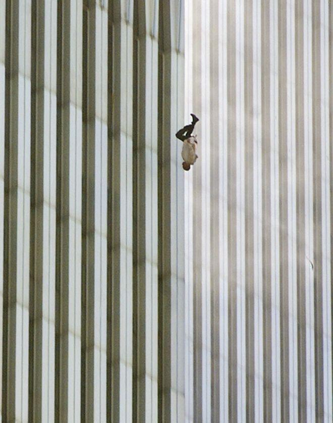 The Falling Man: Η φωτογραφία του