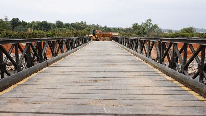 Στρατιωτικήγέφυρα τύπουBailey στον ποταμό Κερίτη