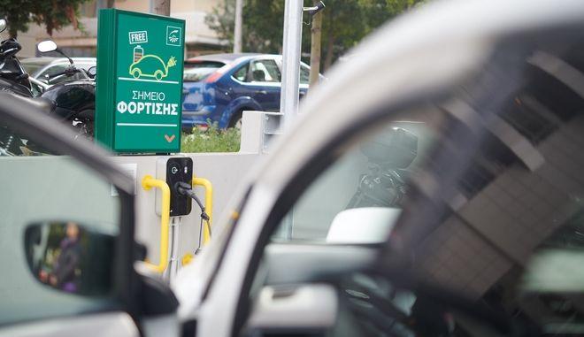 Ηλεκτροκίνηση με επιδότηση: Πώς θα λειτουργήσει στην Ελλάδα