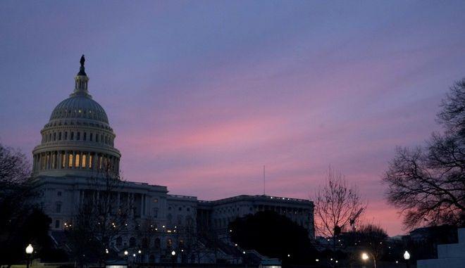 Το Capitol Dome του Καπιτωλίου, όπου συνεδριάζει το Κογκρέσο (AP Photo/Andrew Harnik)