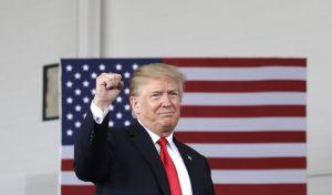 Ο Τραμπ 'ξήλωσε' τον υπαρχηγό του FBI και το πανηγυρίζει: 'Μεγάλη μέρα για τη Δημοκρατία'