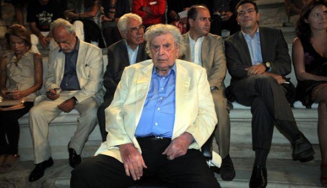 ΑΘΗΝΑ-Η κορυφαία ερμηνεύτρια Μαρία Φαραντούρη γιόρτασε τα πενήντα χρόνια στο τραγούδι, με μια μεγάλη συναυλία στο Ηρώδειο σήμερα 17 Σεπτεμβρίου 2013. Η διεθνούς κύρους καλλιτέχνης έκανε μια αναδρομή στους σημαντικότερους σταθμούς της μουσικής της πορείας// ΣΤΗ ΦΩΤΟΓΡΑΦΙΑ ΜΙΚΗΣ ΘΕΟΔΩΡΑΚΗΣ-ΑΛΕΞΗΣ ΤΣΙΠΡΑΣ.(EUROKINISSI-ΚΩΣΤΑΣ ΚΑΤΩΜΕΡΗΣ)
