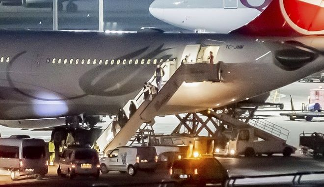 Σε αεροσκάφος της αεροπορικής εταιρείας «Turkish Airlines» ενδέχεται να υπάρχει κρούσμα του κοροναϊού