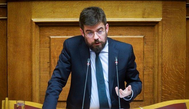 Ο υπουργός Δικαιοσύνης Μιχάλης Καλογήρου στη Βουλή