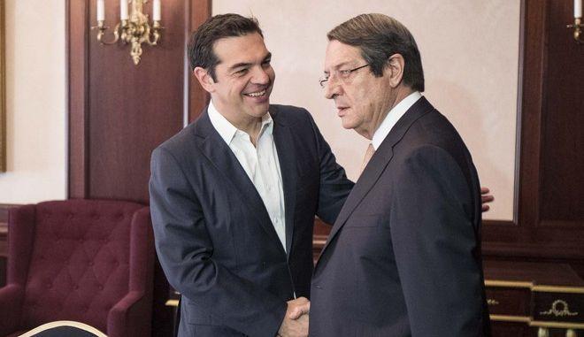 Στις Βρυξέλλες ο πρωθυπουργός Αλέξης Τσίπρας, προκειμένου να συμμετάσχει στη σύνοδο του Ευρωπαϊκού Συμβουλίου, με κύρια θέματα την ασφάλεια και την καταπολέμηση της τρομοκρατίας, τη μετανάστευση, και το διεθνές εμπόριο// Στη φωτογραφία ο πρωθυπουργός Αλέξης Τσίπρας, με τον πρόεδρο της Κυπριακής Δημοκρατίας, Νίκο Αναστασιάδη. (EUROKINISSI/ΓΡΑΦΕΙΟ ΤΥΠΟΥ ΠΡΩΘΥΠΟΥΡΓΟΥ/ANDREA BONETTI)